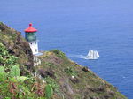 マカプウ灯台とヨット